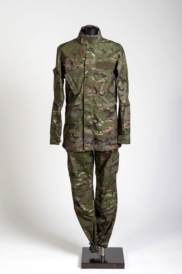 completo-mimetico-flame-retardant-in-gore-pyrad-reg-camouflage-spagnolo
